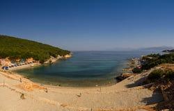 Bella spiaggia per una festa in Albania Mare ionico immagine stock