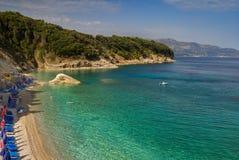 Bella spiaggia per una festa in Albania Mare ionico immagini stock