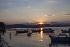 Bella spiaggia selvaggia in Grecia Immagini Stock