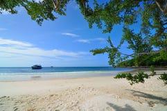 Bella spiaggia silenziosa Fotografia Stock