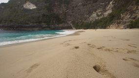 Bella spiaggia su un'isola tropicale Karang Dawa fotografie stock libere da diritti
