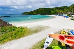 Bella spiaggia tropicale all'isola esotica Fotografie Stock Libere da Diritti