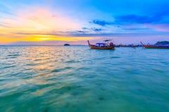 Bella spiaggia tropicale alla spiaggia di alba, isola di Koh Lipe, Satun, Tailandia fotografie stock