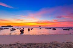 Bella spiaggia tropicale alla spiaggia di alba, isola di Koh Lipe, Satun, Tailandia immagine stock