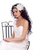 Bella sposa del Brunette con capelli ricci lunghi Immagine Stock Libera da Diritti