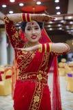 Bella sposa nepalese a cerimonia di nozze immagine stock