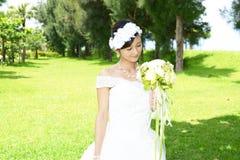 Bella sposa in vestito da cerimonia nuziale immagini stock libere da diritti