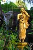 Bella statua buddista in tempio tailandese fotografia stock libera da diritti