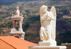 Bella statua dell'angelo in chiesa in Bsharri, valle di Qadisha nel Libano Fotografia Stock