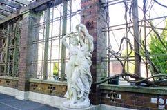 Bella statua della donna fotografia stock libera da diritti