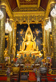Bella statua di colore di Buddhachinaraj di un buddista della Tailandia Immagine Stock