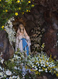 Bella statua di Maria pregante Fotografia Stock Libera da Diritti