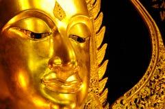 Bella statua dorata di Buddha Fotografie Stock