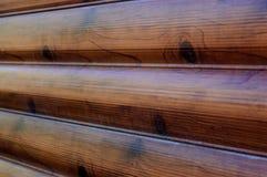 Bella struttura di legno di giorno soleggiato il lite fotografie stock libere da diritti