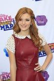 """Bella Thorne komt bij het """"Merk aan Uw Teken: De schok het danst omhoog van 2012"""" Stock Foto"""