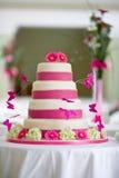 Bella torta di cerimonia nuziale Immagine Stock Libera da Diritti