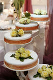 Bella torta di cerimonia nuziale Immagine Stock