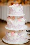 Bella torta di cerimonia nuziale immagini stock