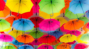 Bella Umbrellas colorida foto de archivo
