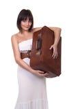 Bella valigia della tenuta della ragazza immagini stock