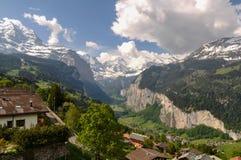 Bella valle di Lauterbrunnen in Svizzera Immagini Stock