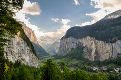 Bella valle di Lauterbrunnen in Svizzera Immagine Stock