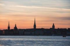 Bella vista aerea panoramica grandangolare eccellente di Stoccolma La Svezia con il porto e l'orizzonte con paesaggio oltre la ci immagini stock