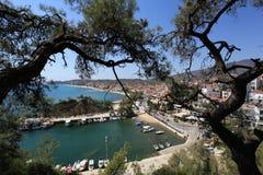 Bella vista alla baia del porticciolo in Grecia Fotografia Stock