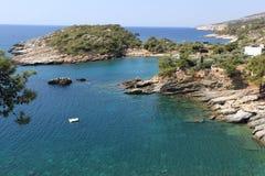 Bella vista alla baia del porticciolo in Grecia Fotografie Stock Libere da Diritti