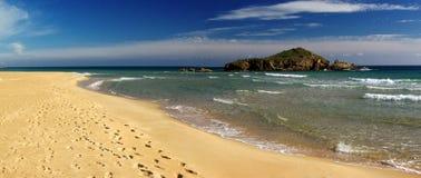 Bella vista alla spiaggia di Chia Immagini Stock