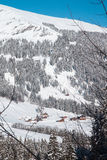 Bella vista alle alpi svizzere di inverno, Adelboden Fotografia Stock