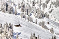 Bella vista alle alpi svizzere di inverno, Berner Oberland, Adelboden Immagine Stock Libera da Diritti