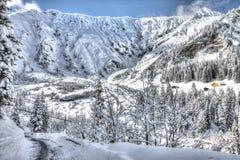 Bella vista alle alpi svizzere di inverno, Berner Oberland, Adelboden Immagini Stock