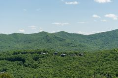 Bella vista blu di Ridge Parkway, Nord Carolina immagini stock