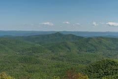 Bella vista blu di Ridge Parkway, Nord Carolina fotografia stock libera da diritti