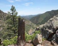 Bella vista da un fianco di una montagna Immagine Stock Libera da Diritti