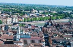 Bella vista dal lamberti della torre di Verona con il backgr Fotografia Stock Libera da Diritti