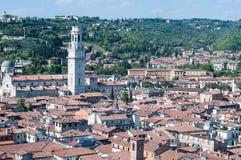 Bella vista dal lamberti della torre di Verona nel backgrou Immagini Stock
