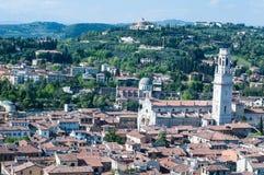 Bella vista dal lamberti della torre di Verona nel backgrou Fotografia Stock