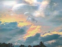 Bella vista dei cieli e delle nuvole Immagini Stock Libere da Diritti