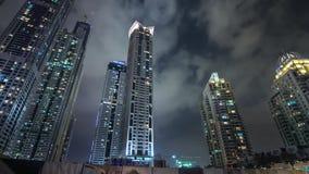 Bella vista dei grattacieli del Dubai, Emirati Arabi Uniti video d archivio