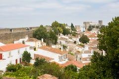 Bella vista dei tetti piastrellati nel Obidos Fotografia Stock