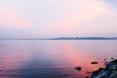 Bella vista del Bosphorus dal lato est di Costantinopoli ad alba La Turchia Viaggio, svago, costa Fotografie Stock