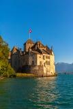 Bella vista del castello di Chillon al crepuscolo Immagini Stock Libere da Diritti