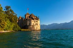 Bella vista del castello di Chillon al crepuscolo Fotografia Stock Libera da Diritti