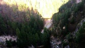 Bella vista del castello di fama mondiale del Neuschwanstein stock footage
