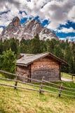 Bella vista del cottage in dolomia, Italia, Europa Fotografia Stock Libera da Diritti