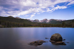 Bella vista del lago bear in Rocky Mountains National Park, nello stato di colorado Immagine Stock