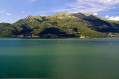 Bella vista del lago Como Italia Immagine Stock Libera da Diritti