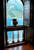 Bella vista del mar Mediterraneo e delle montagne Fotografie Stock Libere da Diritti